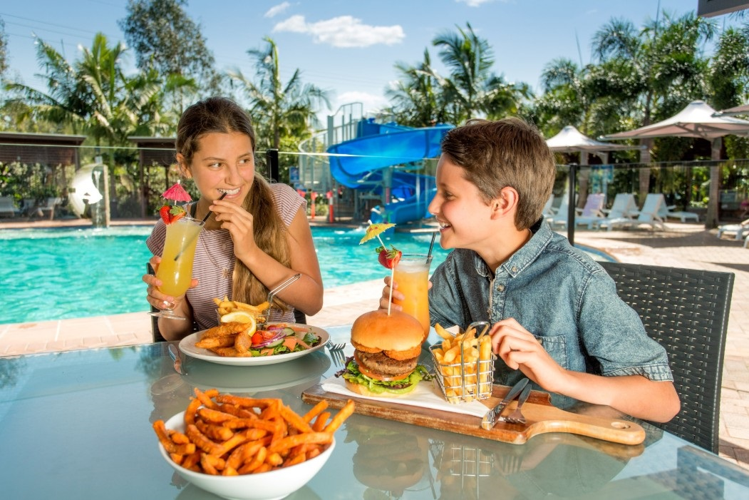 BIG4 Gold Coast Poolside dining